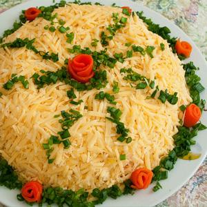 рецепты и оформление праздничных салатов