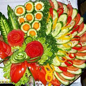 Нарезки: фруктовые, сырные, мясные, овощные